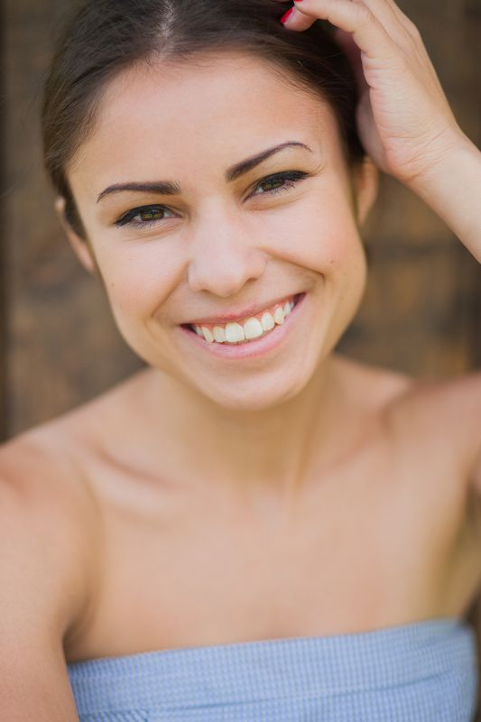 девушка, улыбка, портрет, свет, фото, взгляд, человек Гаяphoto preview