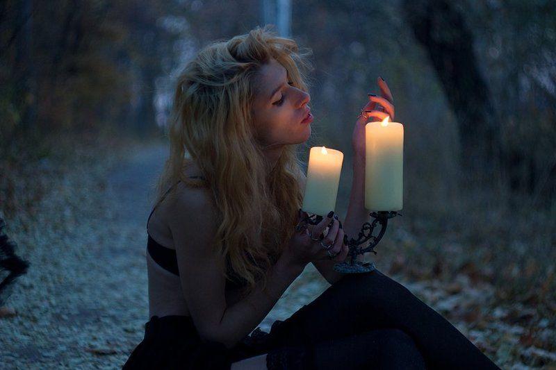 девушка,лес, творчество, день, город, свеча, изящность Во тьмеphoto preview