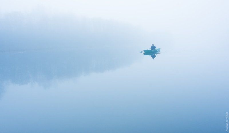Туманное утро на озереphoto preview