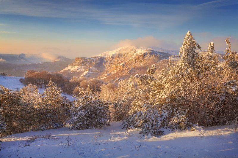 Демерджи, Крым Вид на Северную Демерджиphoto preview