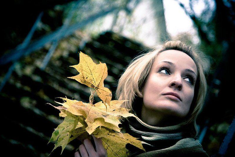 осень, листья, одиночество, печаль, грусть, девушка Fear, regret, lonelynes...photo preview