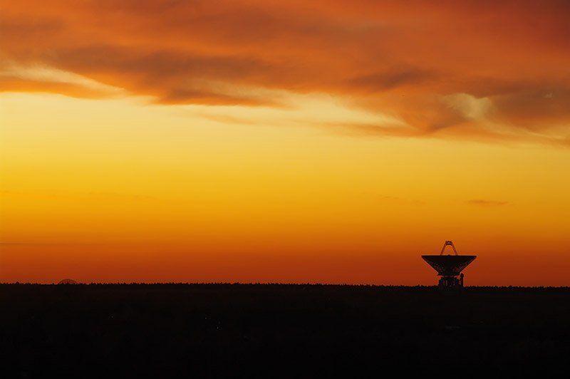 фотограф складчиков алексей, радиотелескоп, закат Жду сигналов из соседней галактики...photo preview