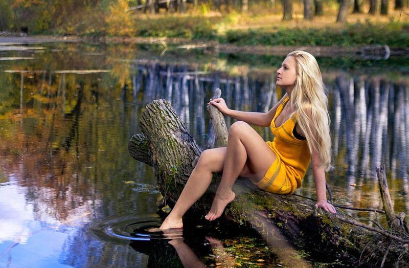 девушка, пруд, отражение Викаphoto preview