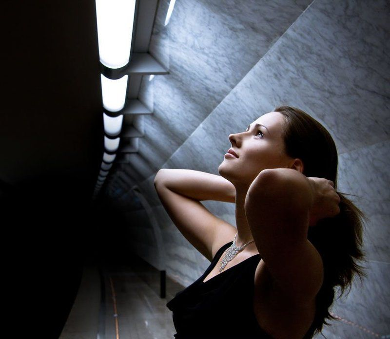 метро, девушка бесконечностьphoto preview
