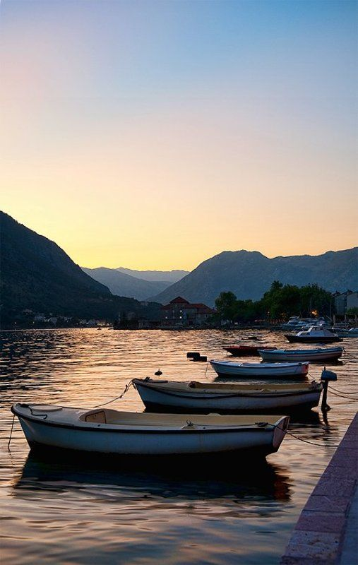 черногория, вечер, лодки, пейзаж Бока-Которский Заливphoto preview