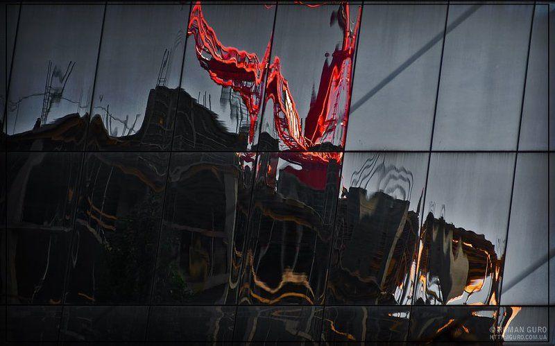 Воин в красном побеждает огнедышащего дракона!photo preview