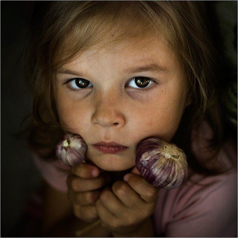 shalapai-art, шалафаев илья, грипп, чеснок, дети, взгляд, глаза Против гриппаphoto preview
