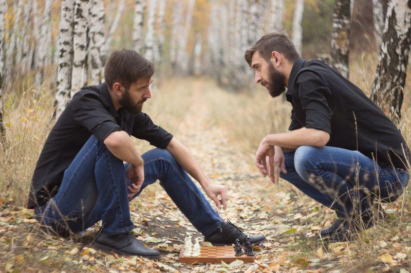 Парень, шахматы, фото, игра Раздвоениеphoto preview