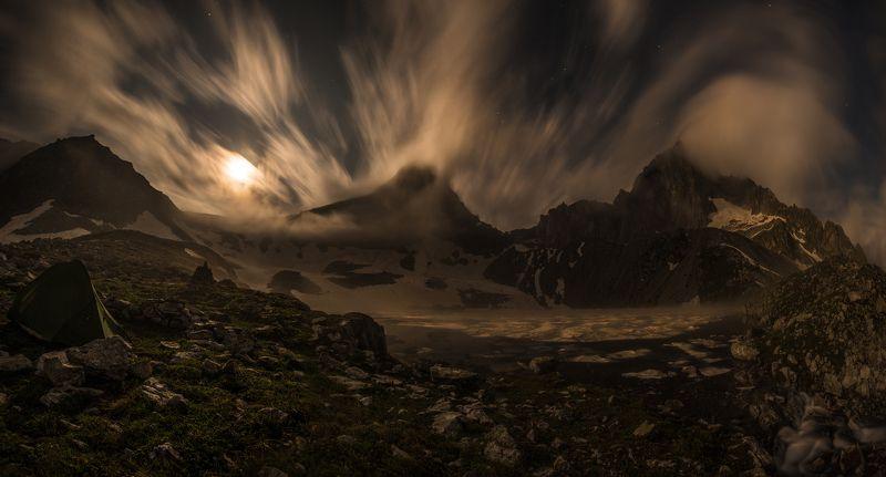 ночь, луна. ветер. туман, озеро, горы, длинная выдержка Ночь. Луна. Ветерphoto preview