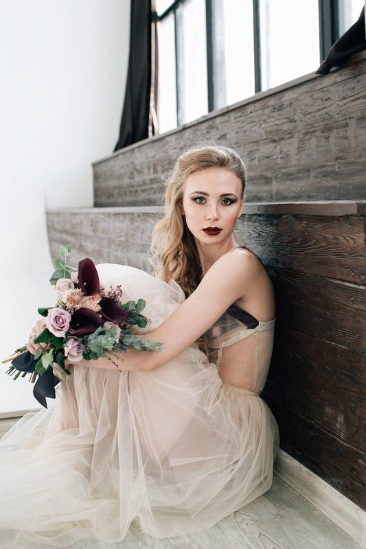 Bride boudoirphoto preview
