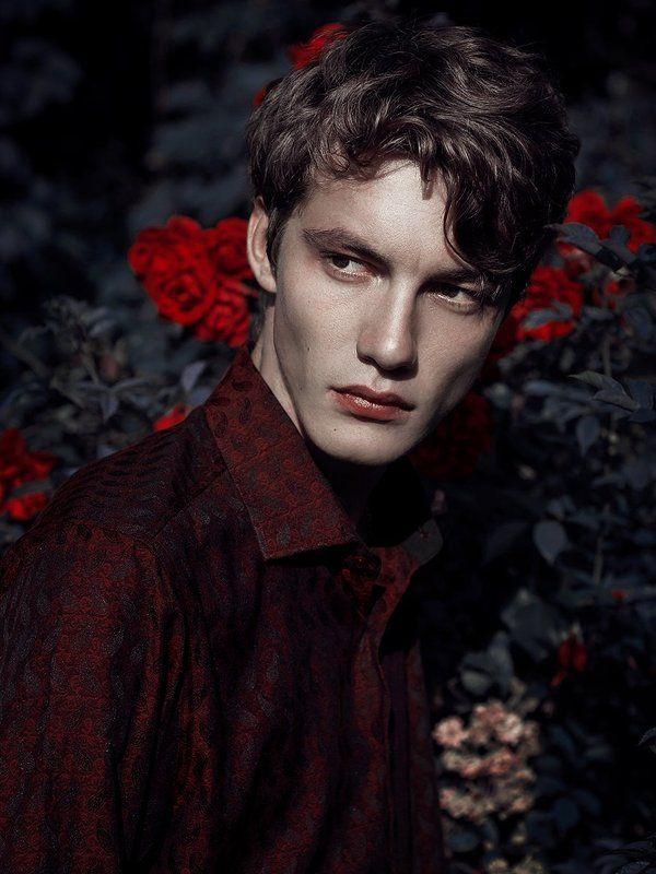 portrait, dark, fashion, sensitive, contrast, darkfashion, gothic, neogothic Portfoliophoto preview