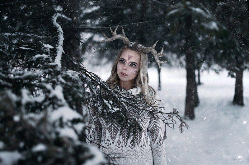 sigma, art, 1ds3, девушка, мороз, снег, ветви, деревья, ель, лес, сугробы, снежный, рога, макияж, сказка Бэмбиphoto preview