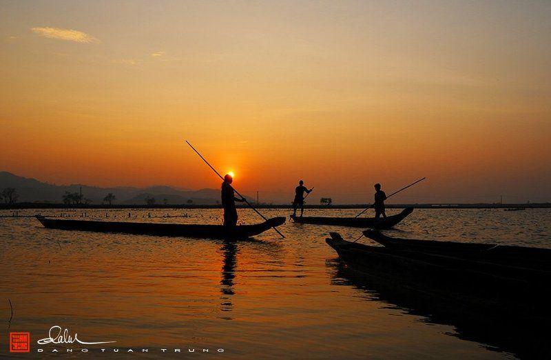 Dang Tuan Trung, Frank Dang Sunset on Lak lakephoto preview