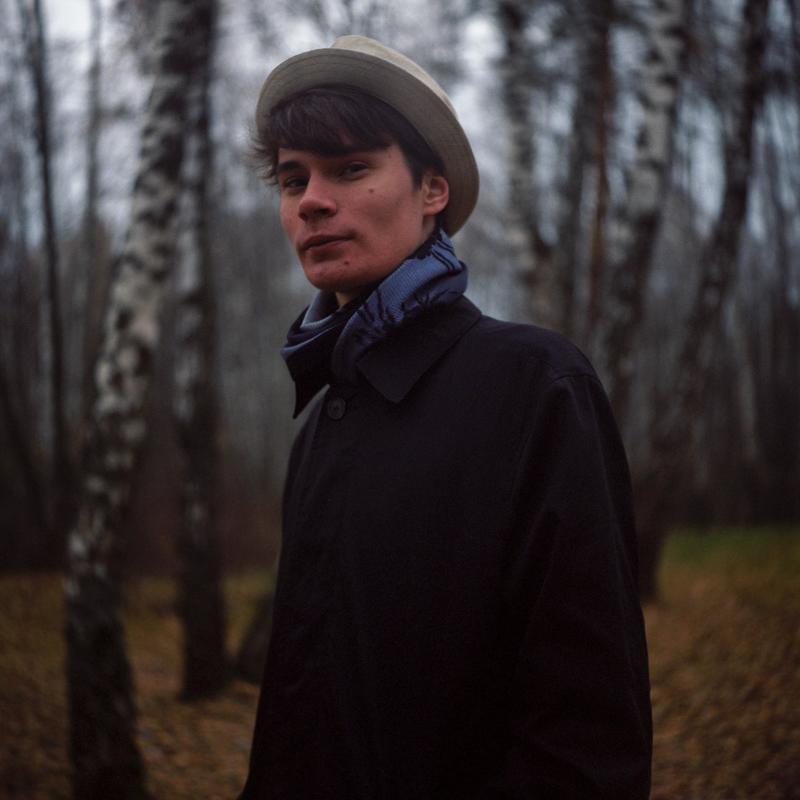 парень лес портрет шляпа плащ пальто фото берёзы 6x6 плёнка фотоплёнка средний форма ikoflex kodak porta 160 Сергейphoto preview