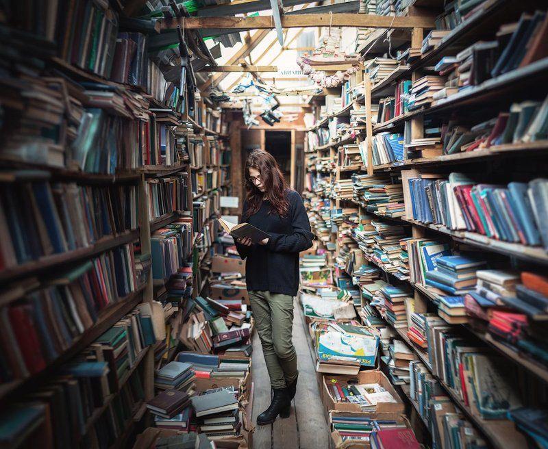 canon, canon70, people, library, books, book, girl люди, книги, библиотека, девушка Вниманиеphoto preview