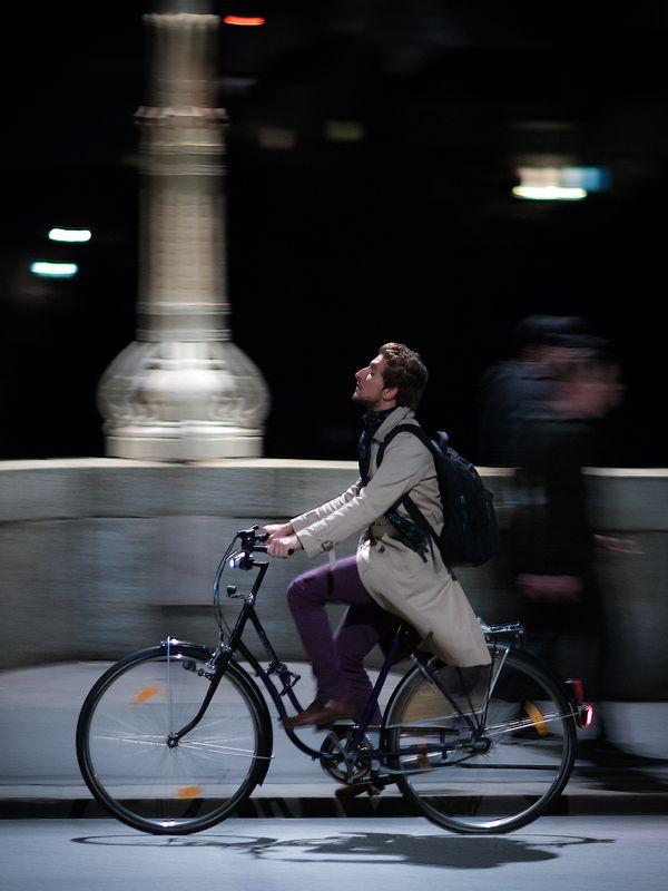 bicycle, night, street, streetphotography, stranger, bike Poetphoto preview