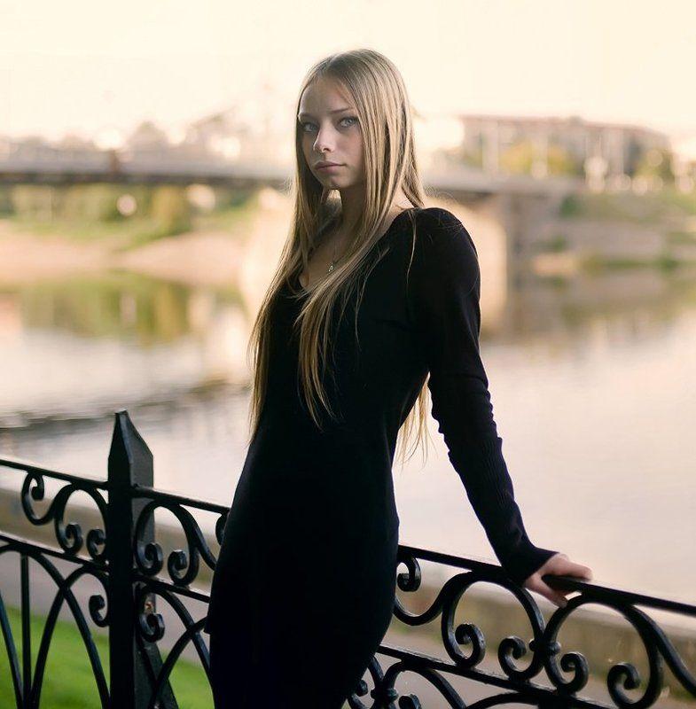 девушка, блонд, тверь, мост, изгородь, река, волга, набережная ***photo preview