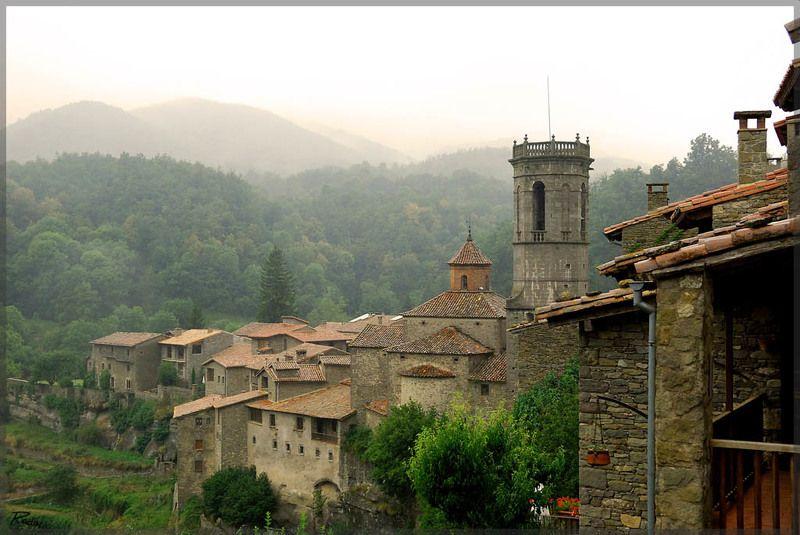 испания, горы, туман Туманный городphoto preview