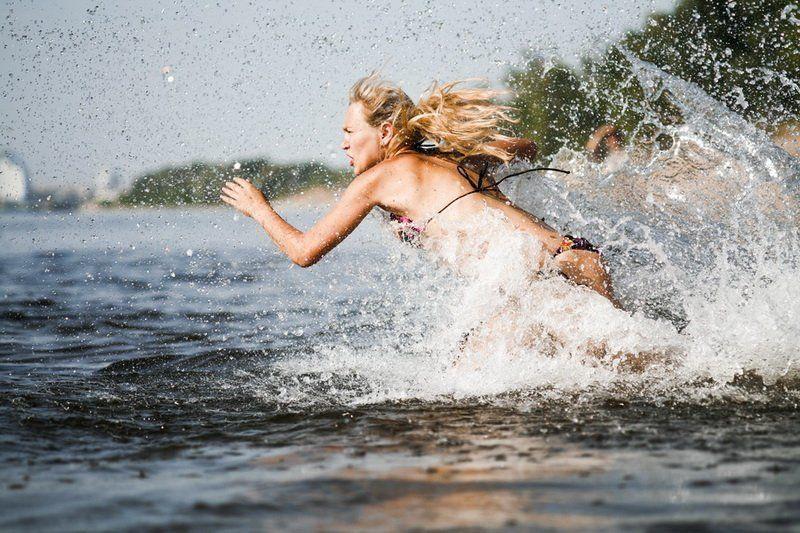 вода, брызги, стремление, вперёд, движение, воля, сила, мощь, река, волга Вперёд!photo preview