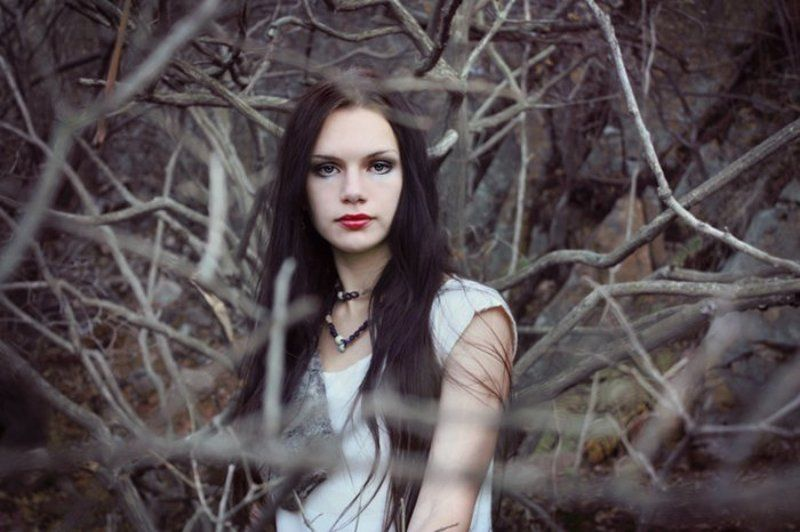 девушка, ветки, осень, белое mariphoto preview