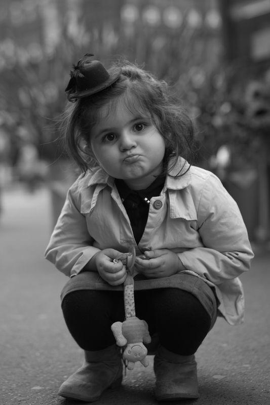 ребенок, девочка, эмоции, улица photo preview