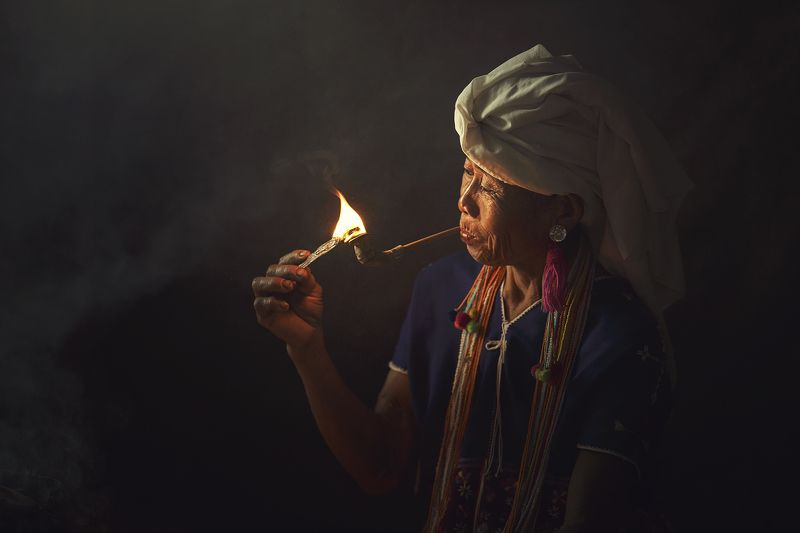 Asia, Asian, Chaina, Fire, Indoor, Light, Moning, Smoke, Thai, Woman \