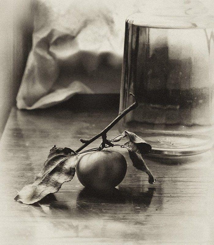 яблоко, свет, натюрморт С яблокомphoto preview