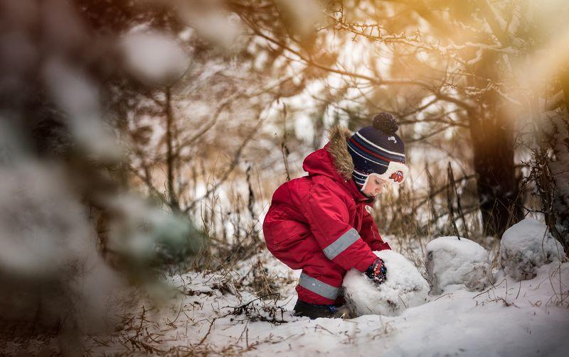 Boyadorable, Child, Children photography, Cute, Poland, Small, Snowman, Winter Making snowmanphoto preview