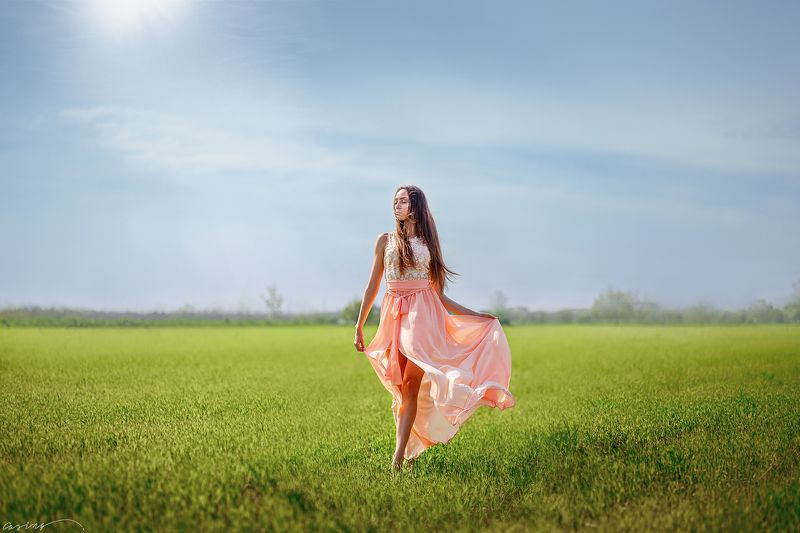 beautiful, girl, portrait, summer,  field, grass, sun, horizon, ukraine, canon Навстречу ветруphoto preview