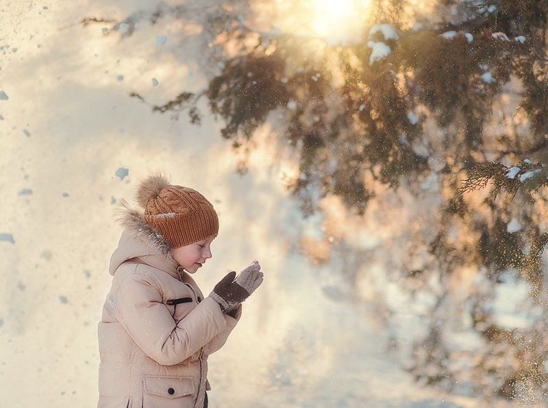 снег, ребенок, мальчик, зима, свет, лучи, праздник, дерево Никphoto preview