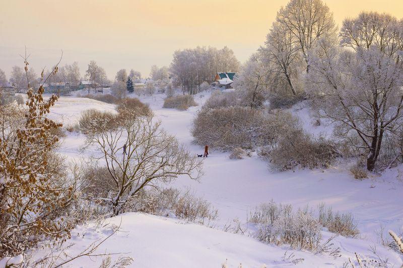 деревенский пейзаж, деревья в инее, зима, пейзаж, мороз,пейзаж,река,снег, смоленская область, сугробы, россия, небо, морозный деньphoto preview