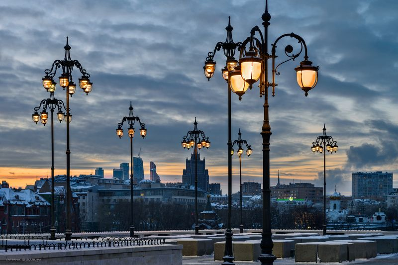 фонарь, свет, закат, москва, патриарший мост, Моменты городаphoto preview