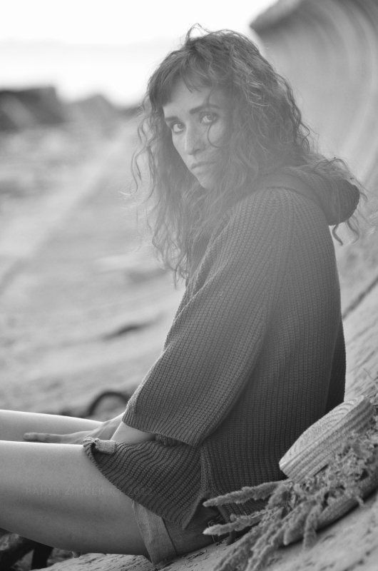портрет, чб, девушка, море, ключевые слова * * *photo preview