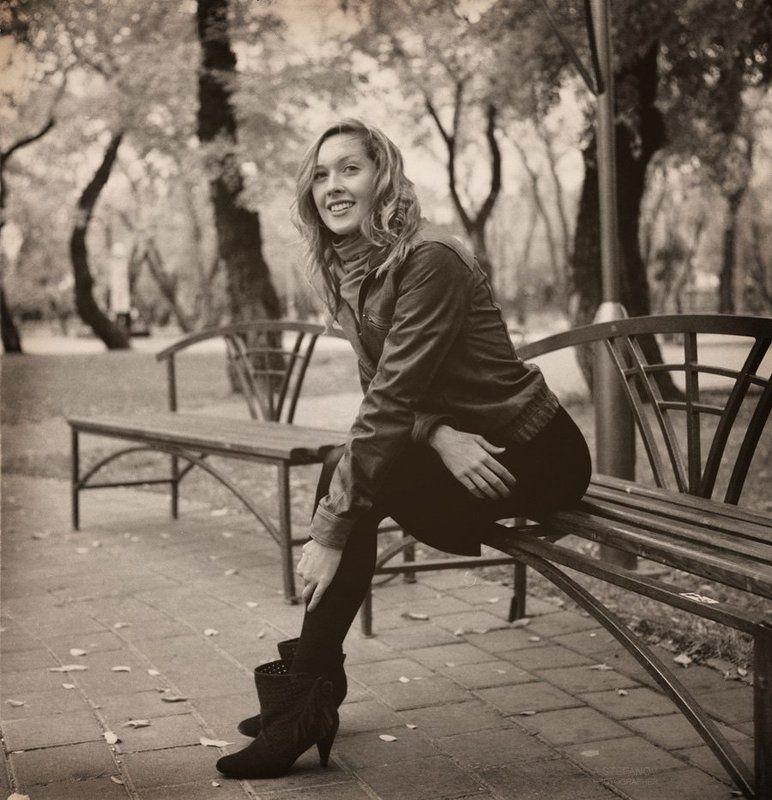 красивая, девушка, осень, парк однажды в паркеphoto preview