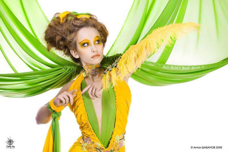 желтое, зеленое, ткань, перья, стразы Зеленое и желтоеphoto preview