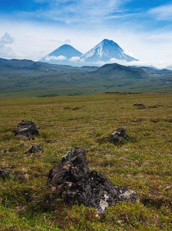камчатка, вулканы, камень, ключевской Вулканы Ключевской и Каменьphoto preview