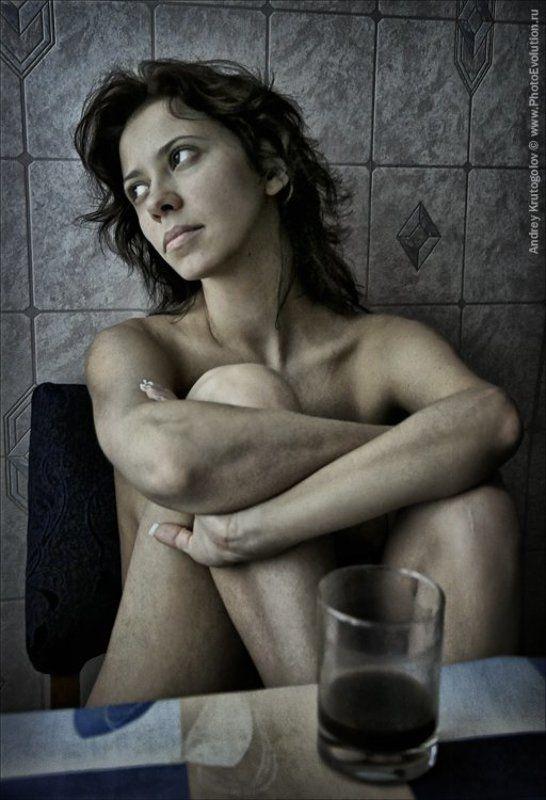 портвейн, утро, эротика, грусть, стакан, бокал, девушка Портвейнphoto preview