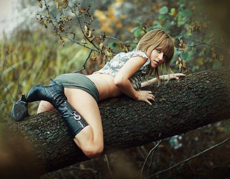киса, дерево, болото, вика, шарфик Кисаphoto preview
