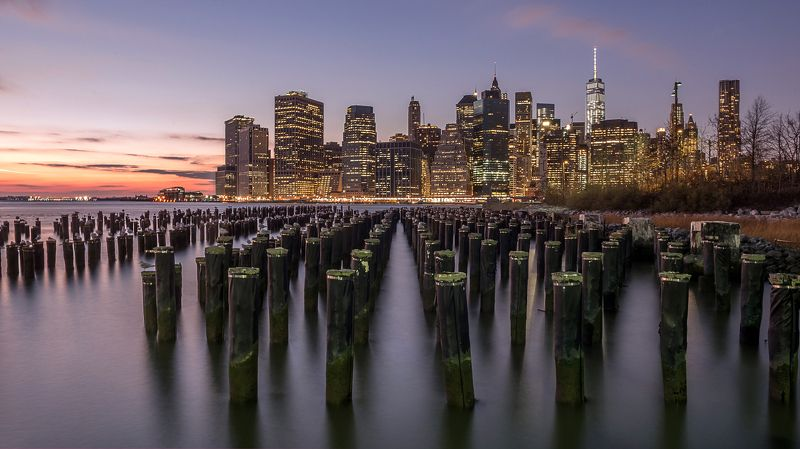 Нью-Йорк, старая пристань, столбы, небоскребы, вечер, new york, manhatten Столпыphoto preview