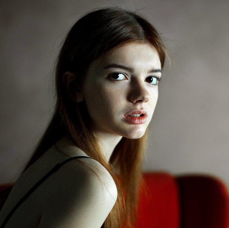 портрет, девушка, взгляд, модель портрет Катериныphoto preview