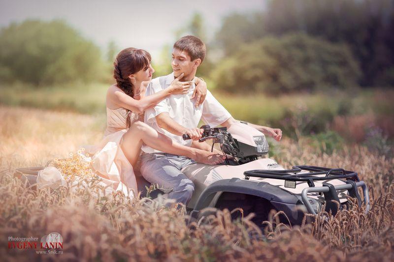 прогулка, квадрацикл,поле,любовь  Прогулка на квадрациклеphoto preview