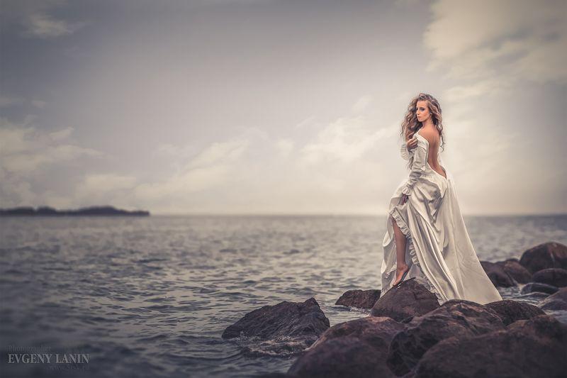 девушка, море, ветер, горизонт  Взгляд за горизонтphoto preview