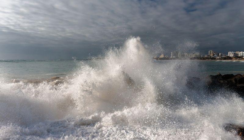 стихия, шторм, волны, атлантика Шторм в Портимао (Португалия)photo preview