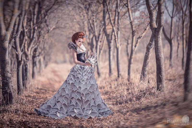 фотопроект,платье, девушка,фотосессия,фотограф Платье из газетphoto preview