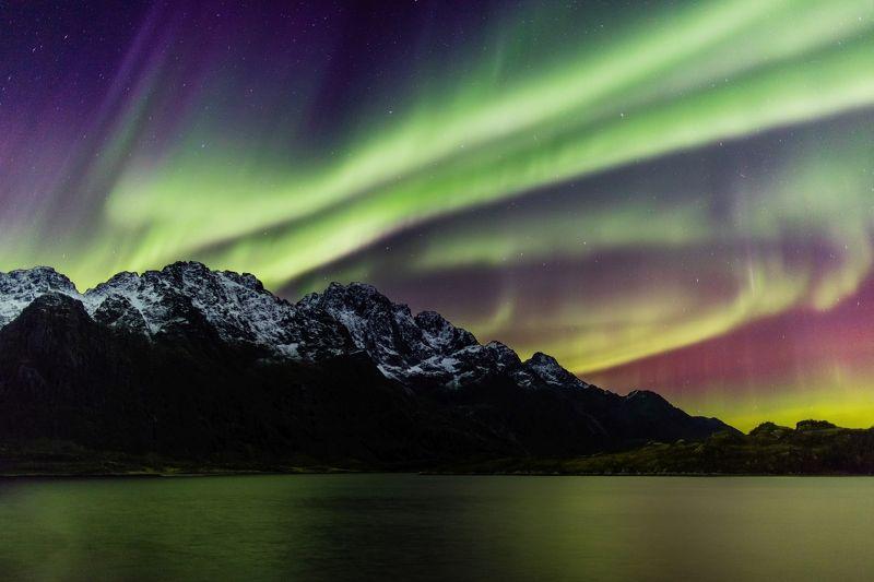 природа,путешествия,норвегия,лофотенские острова,ночь,небо,северное сияние,аврора,aurora borealis,горы Аврора KP6photo preview