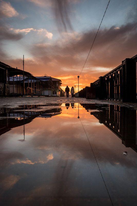 Вечер, Вода, Закат, Краски, Лужа, Отражение, Улица, Фото вдвоем меж двух мировphoto preview