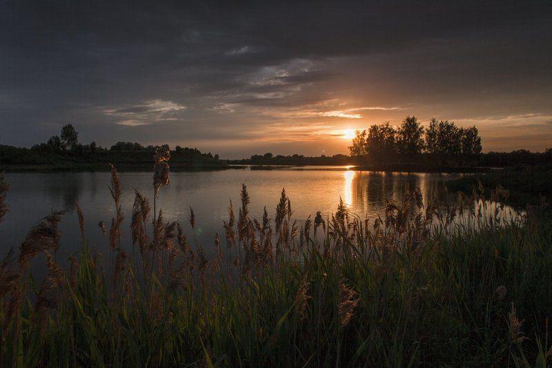 Вечер у тихой заводиphoto preview