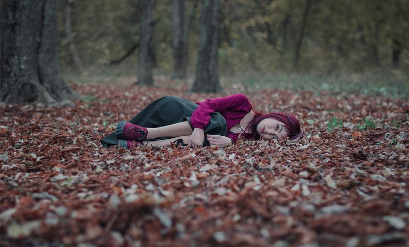 girl, red, portret, hair, leaf, beautiful, autumn Евгенияphoto preview