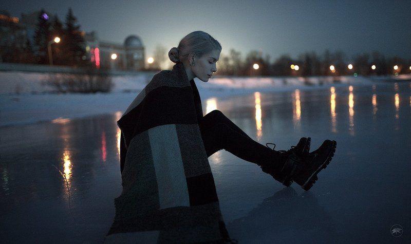 девушка, лед, зима, ночь, город, огни, отражение, блондинка, холод, sigma, 35, art Крыльяphoto preview