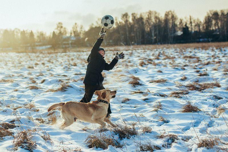 мальчик, собака, игра, дружба, зима С другомphoto preview